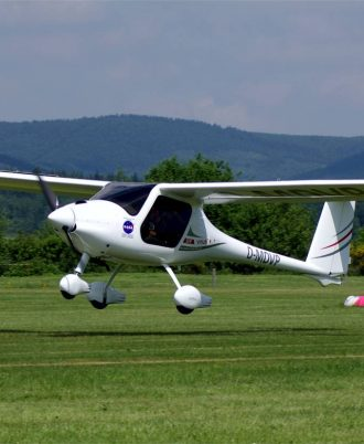 FLYING A «Pipistrel Virus SW-121» AIRPLANE